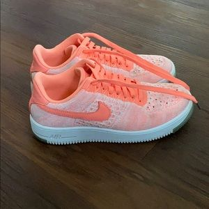 """Nike """"fly knit"""" Air Force 1"""
